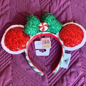 Minnie Holiday Ears NWT, Sparkly and Festive